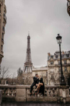 Couple-photoshoot-at-Eiffel-Tower-.jpg