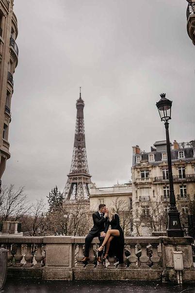 Couple-photoshoot-at-Eiffel-Tower-.jpg