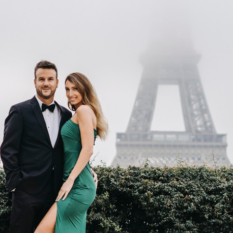 Romantic winter proposal idea in Paris