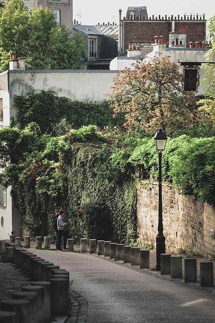 paris-photography-montmartre-romantic-street.j