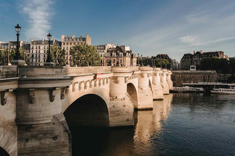 paris-photography-locations-pont-neuf-at-sunrise.jpg