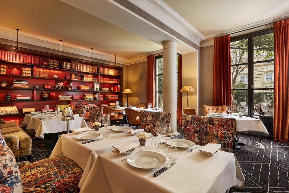 The-most-romantic-restaurants-in-Paris-Restaurant-Anne-Place-des-Vosges