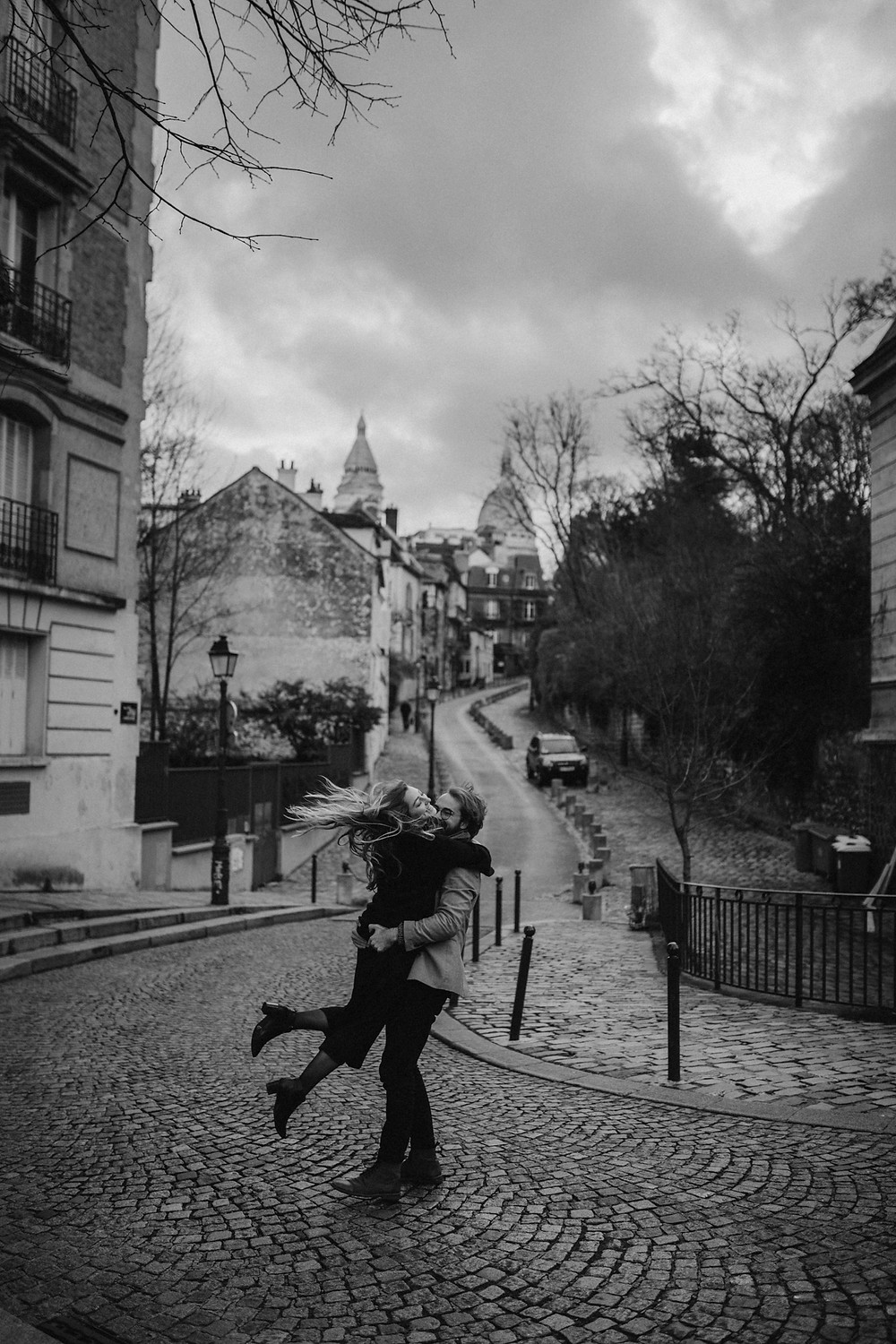 Paris couple photoshoot at Montmarte,
