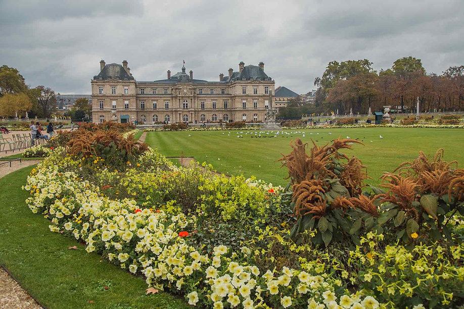 paris-photo-luxembourg-garden-in-spring.