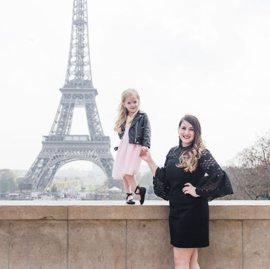 paris-family-photoshoot-mother-and-daughter-at-eiffel-tower.jpg