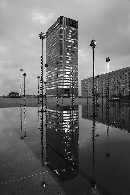 Paris-photo-la-defense-bassin-takis.jpg