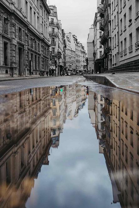 paris-photo-le-marais-street-reflection-