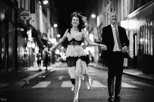 paris-photo-shoot-engagement-photos-in-the-evening