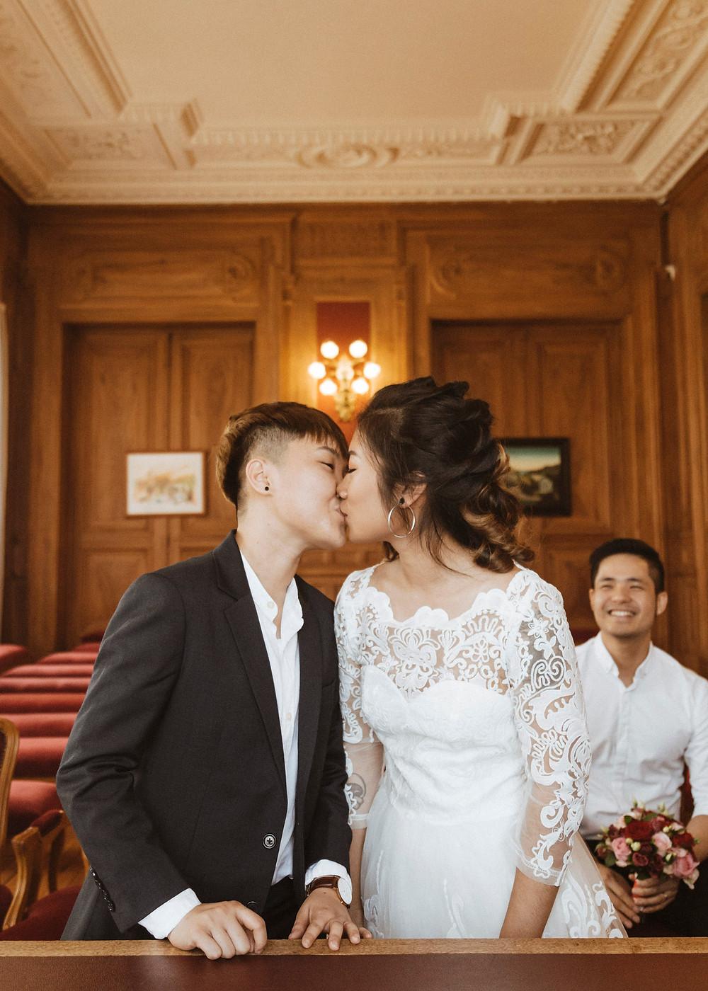 same-sex-lgbt-civil-wedding-reportage-paris