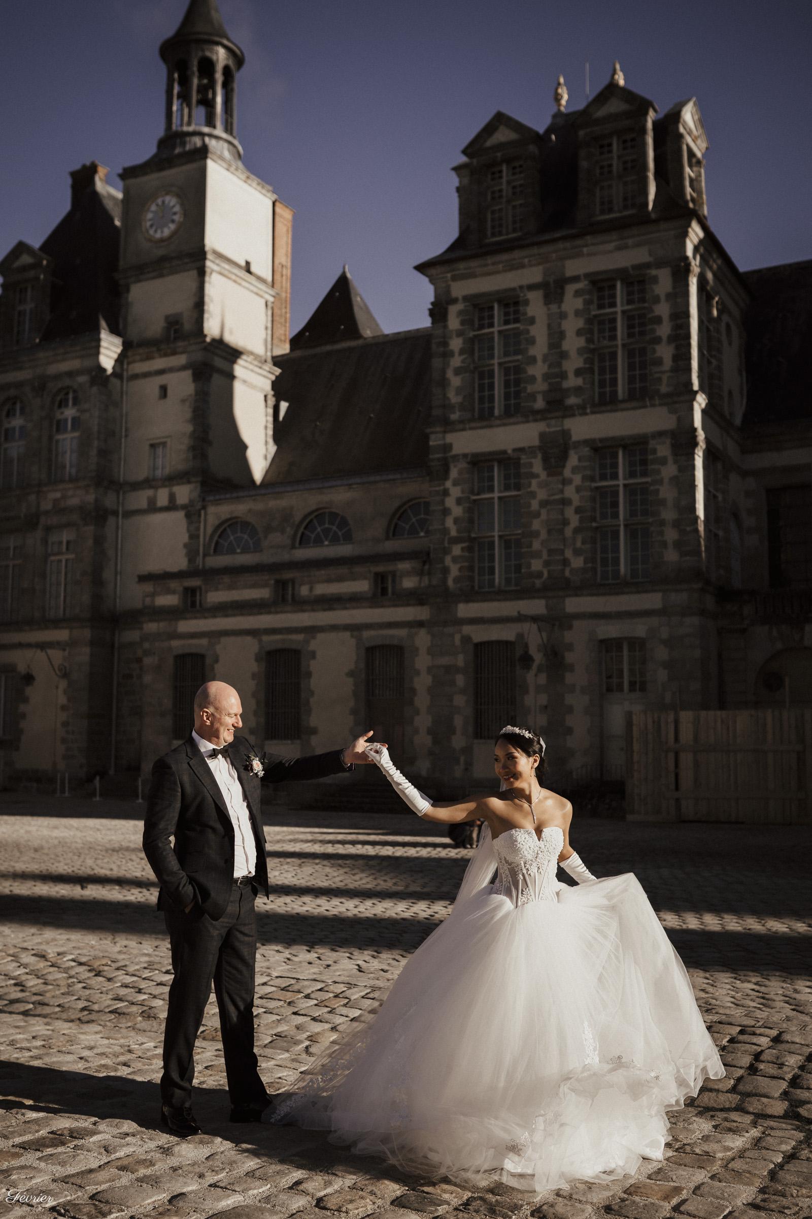 pre-wedding-hk-couple-dancing-outside-the-chateau