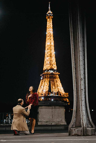 paris-photo-shoot-Eiffel-Tower-Proposal-in-the-evening.jpg