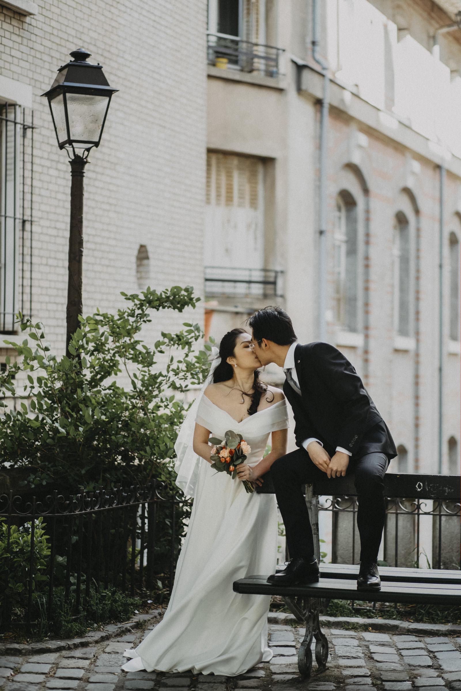 pre-wedding-photos-kissing