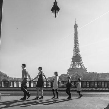 paris-family-photoshoot-family-eiffel-tower