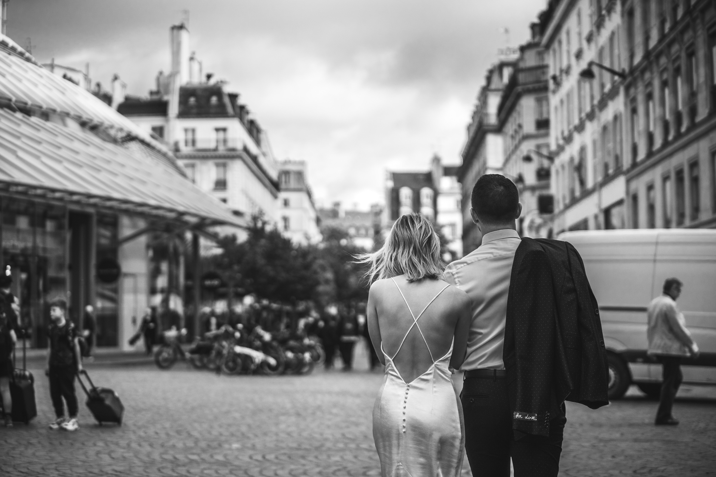 engagement-photos-cute-couple-in-black-and-white