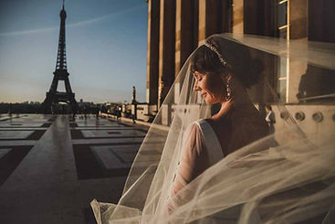 couple-outfits-wedding-dress-and-eiffel-tower