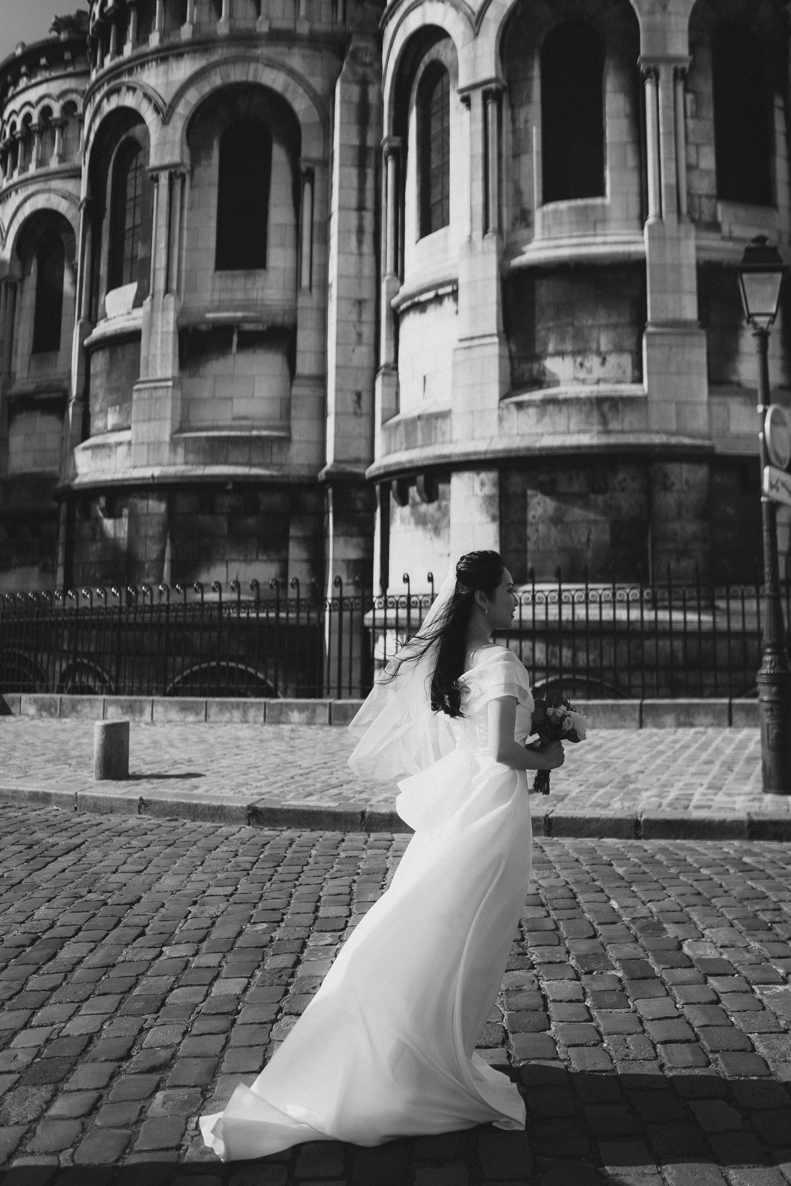 paris-pre-wedding-photos-bridal-black-and-white