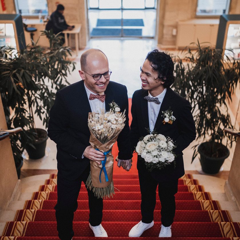 Gay wedding in Paris