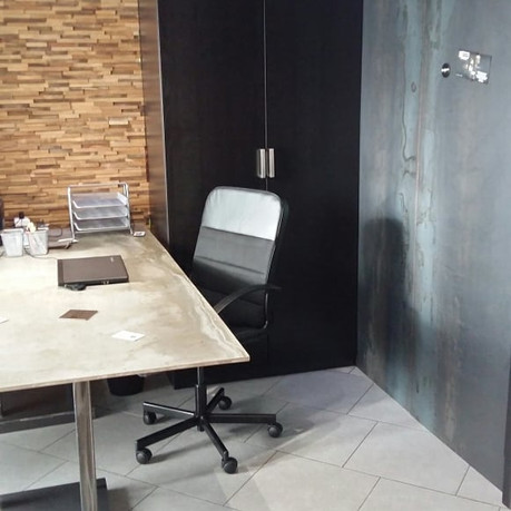 Brutes du Brut aménage son bureau... Mur