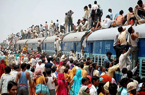 Overpopulation, Train with too many people in India