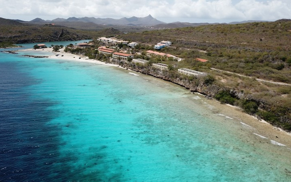 Santa Martha Bay is such a beautiful spot on Curacao, it has a great view, and shows the island in a different way. It is quiet, because this place is not visited by tourists that much. The bay is near the village of Soto.