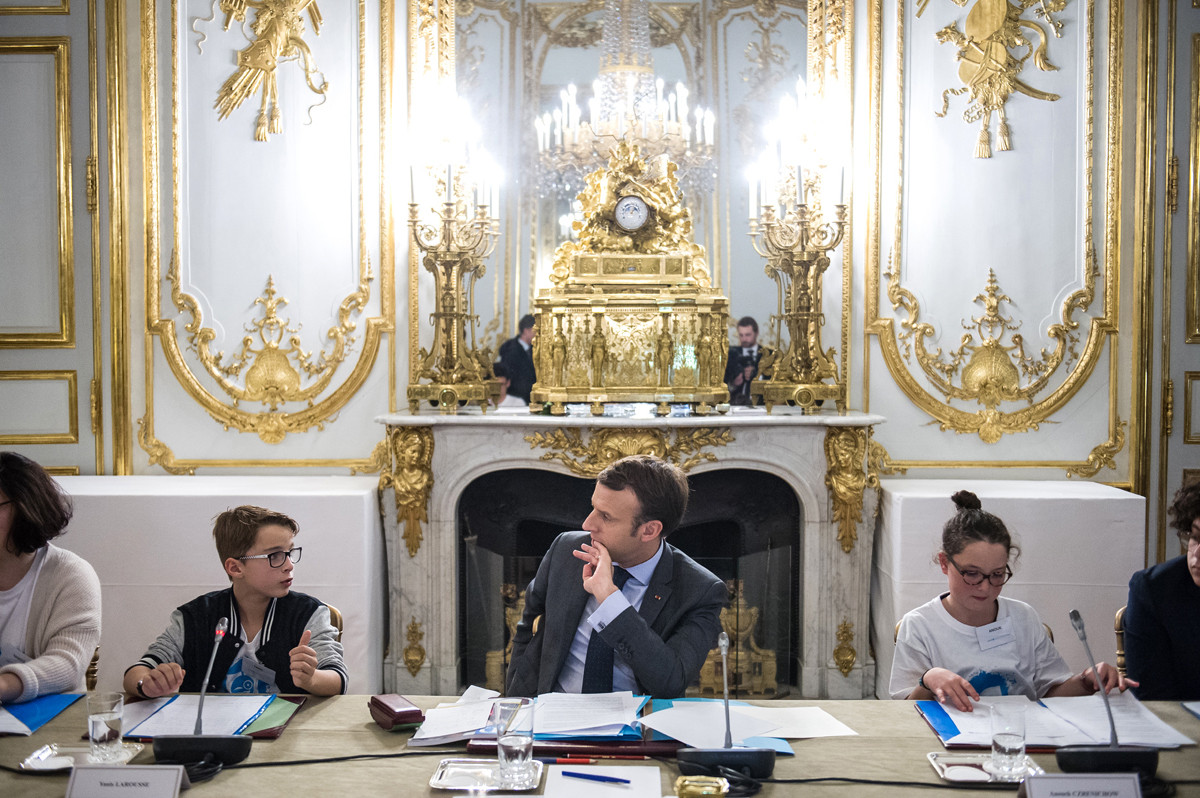 French President Emmanuel macron receives children the occasion of International Children's Rights Day at Elysee Palace on november 20, 2017
