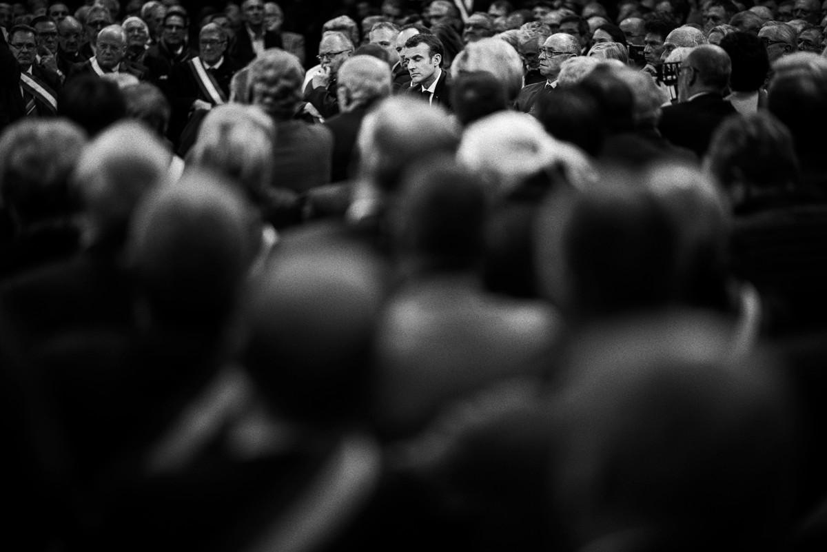 Le President Emmanuel Macron débat avec plus de 600  Maires le 15 janvier 2019 à Grand Bourgtheroulde, France.