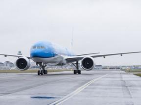 Foto's: eerste test nieuwste Boeing 777 van KLM