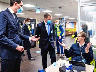 'Hoekstra laat KLM'ers vallen als een baksteen'