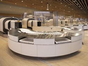 Schiphol als eerste grote luchthaven volledig over op CT-scans