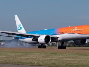 KLM houdt rekening met nog minder vluchten door code oranje