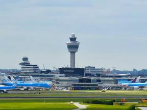Tot 7,5 jaar cel voor drugssmokkel via Schiphol met hulp luchthavenpersoneel