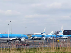 Schoonmakers gebruiken verboden schoonmaakmiddelen in vliegtuigen