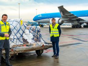 KLM en ministerie VWS gestart met vervoer vaccins naar Caribisch deel Koninkrijk der Nederlanden