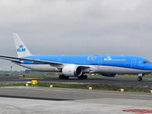 Vliegverbod Zuid-Amerika verlengd, maar waarom toch nog vluchten naar Schiphol?