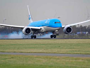 KLM verder onder druk, vliegverbod verlengd