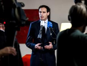 Deal KLM met pilotenvakbond, ook minister Hoekstra is akkoord