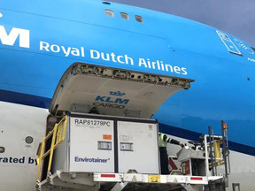 KLM en Brussels Airlines gaan UNICEF helpen bij vervoer vaccins naar arme landen