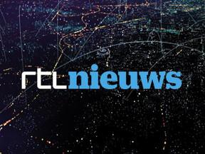 Reiziger filmt grote drukte op Schiphol: mensen dicht op elkaar