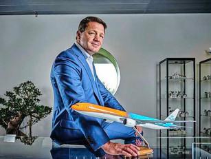 KLM-topman Elbers: 'Vakbonden moeten tot inkeer komen'