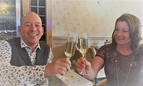 wij 2 trouwdag proosten 2017.jpg