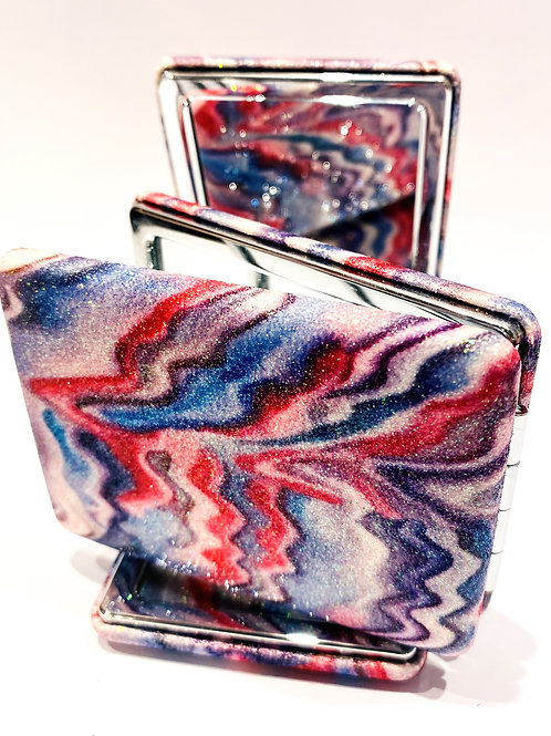 Marbled compact mirror