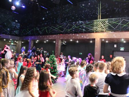 """Новогодний карнавал для детей театра эстрадного и бального танца """"Маски"""""""
