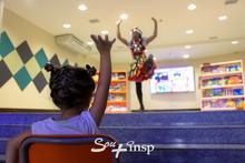 Histórias, mágica e muita alegria na abertura do PLINSP
