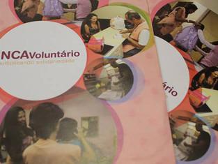 A turma do 5º ano do Fundamental I foi convidada e motivada, neste dia mundial de combate ao câncer