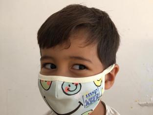 Turmas do Maternal II recebem visita das professoras para entrega de brinde e máscaras personalizada