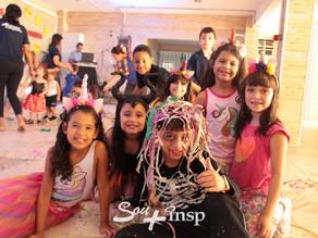 Super-heroínas, príncipes e família nos Bailinhos de Carnaval do INSP!