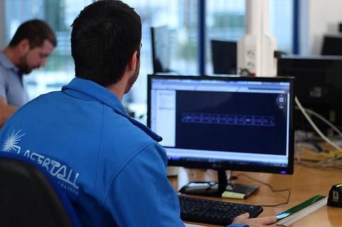 lasertall-empleo-2.jpg