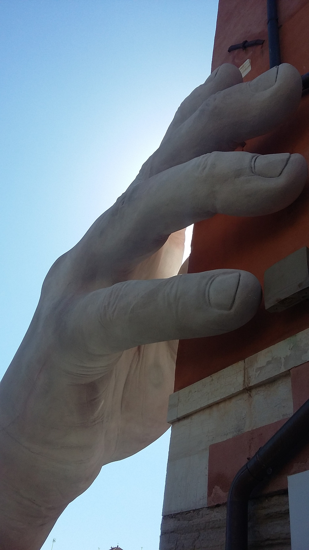 #mani by lorenzo quinn #casagredo