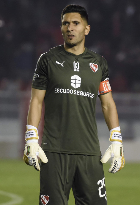 Martín Campaña pionero en utilizar su Marca Personal en la indumentaria de Independiente.