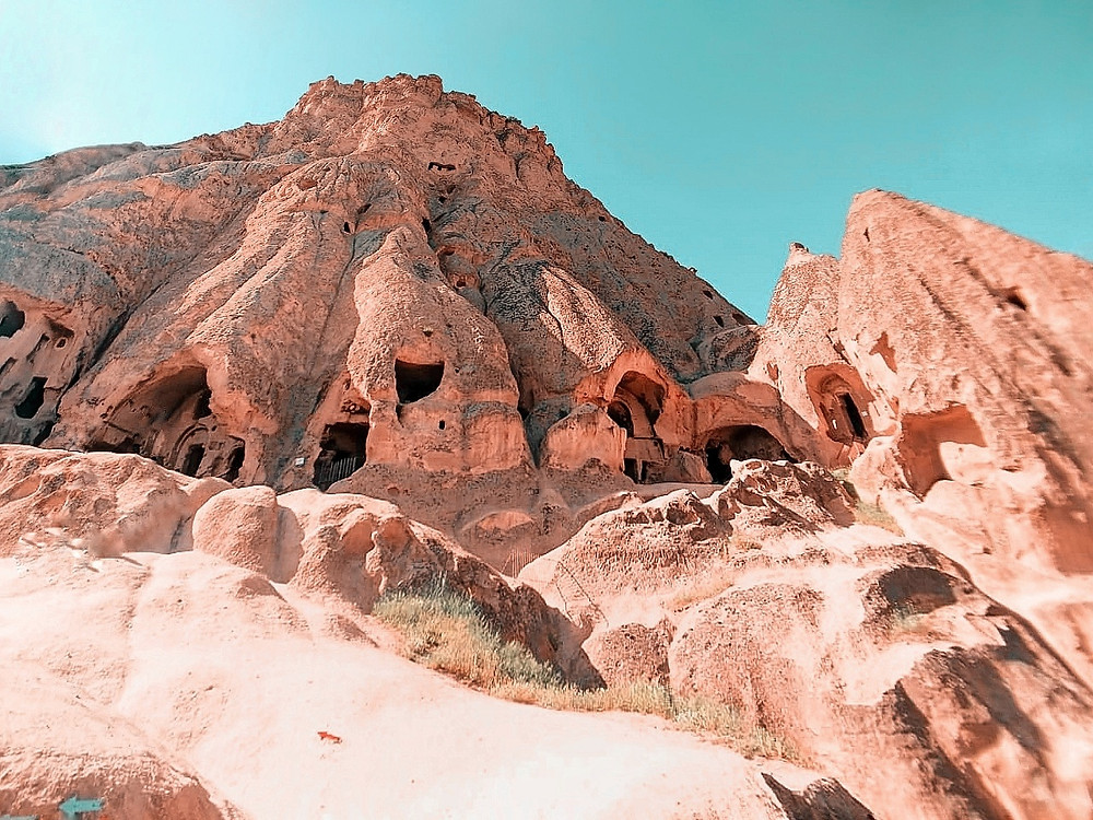 cappadocia | kapadokya | travel blogger | travel blog | blogger | love valley | red valley |rose valley | hot air balloon | travel photography | beautiful destination | tripotocommunity | trip advisor | turkey | turkey tourism | visit turkey | turkey travels | turkey igers | turkey shots | beautiful photographers | team pixel | google pixel | travel couple | couple blog | that nomadcouple | dr. nishita | dr. siddharth | couple who travels around the world | |